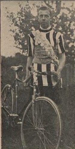 """Jerzy Koszutski jako zawodnik KTC (""""Kolarz Polski"""" nr 3 z 1.02.1927 r.)"""