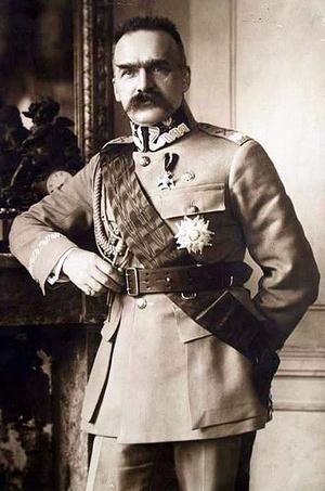 Józef Piłsudski w 1921 r. (domena publiczna).