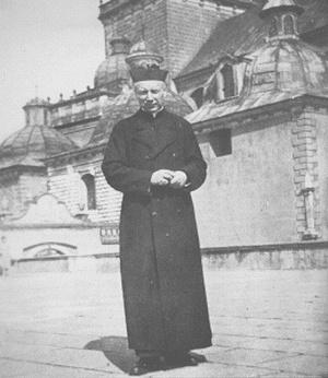 Święcenia biskupie ks. Stefana Wyszyńskiego, Jasna Góra, 1946 r. (domena publiczna)