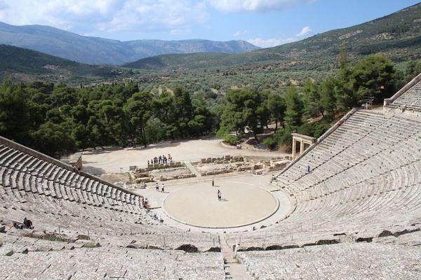 Teatr w Epidauros (fot. J. Jagodziński).