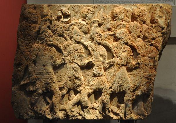 Przedstawienie falangi w grobowcu Peryklesa z Licji, władającego w okresie ok. 380–360 r. p.n.e., fot. Jona Lendering, domena publiczna