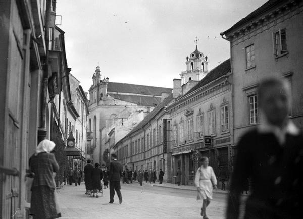 Ulica Zamkowa w Wilnie, lata trzydzieste (fot. NAC)