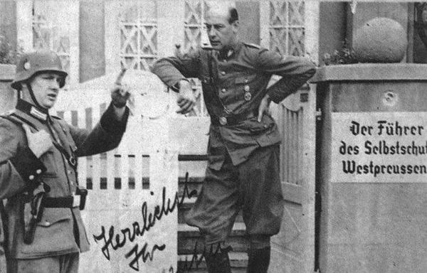 """Fotografia z tzw. """"Albumu chwały Selbstschutzu"""". Widoczny Ludolf von Alvensleben"""