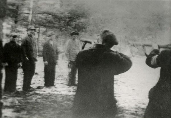 Masowa egzekucja Polaków przeprowadzana przez Niemców w Piaśnicy