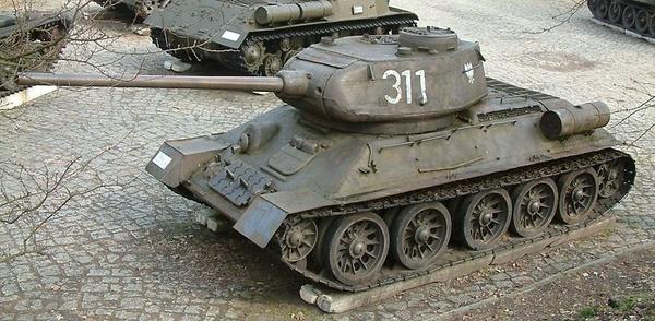 Czołg średni T-34/85 (fot. Radomil, opublikowano na licencji [Creative Commons Uznanie autorstwa – Na tych samych warunkach 3.0](https://creativecommons.org/licenses/by-sa/3.0/deed.pl?utm_source=Histmag.org&utm_medium=article-14017)).