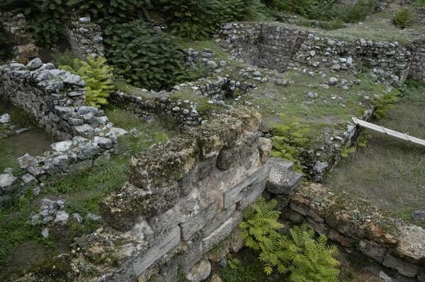 Ruiny Teb, fot. J. Matthew Harrington, na licencji [CC BY-SA 3.0](https://creativecommons.org/licenses/by-sa/3.0/deed.pl)