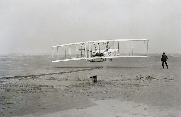 Pierwszy udany lot samolotem (domena publiczna)