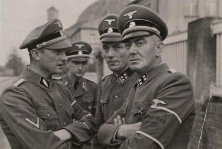 Dowódcy inspektoratów Selbstschutzu: SS-Standartenführer Ludolf Jacob von Alvensleben, SS-Obersturmbannführer Erich Spaarmann, SS-Obersturmbannführer Hans Kölzow i SS-Sturmbannführer Christian Schnug (domena publiczna)