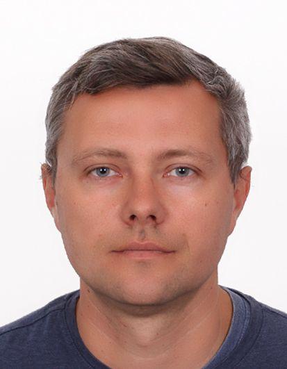 Tomasz Ceran - doktor historii, absolwent UMK w Toruniu, kierownik Referatu Badań Historycznych Delegatury IPN w Bydgoszczy.