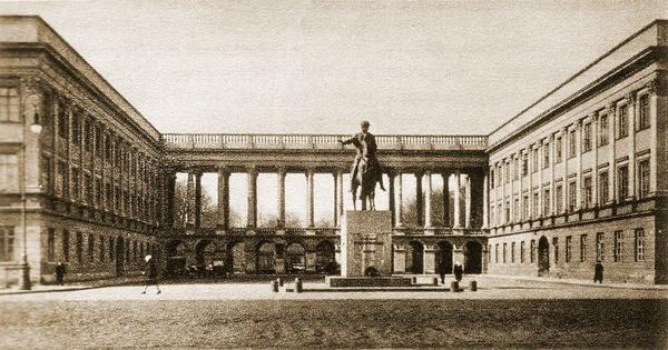 Pałac Saski w Warszawie, 1930 (domena publiczna)